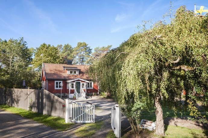 Bild: 4 rum villa på Lilla Fagerdalavägen 8, Värmdö kommun