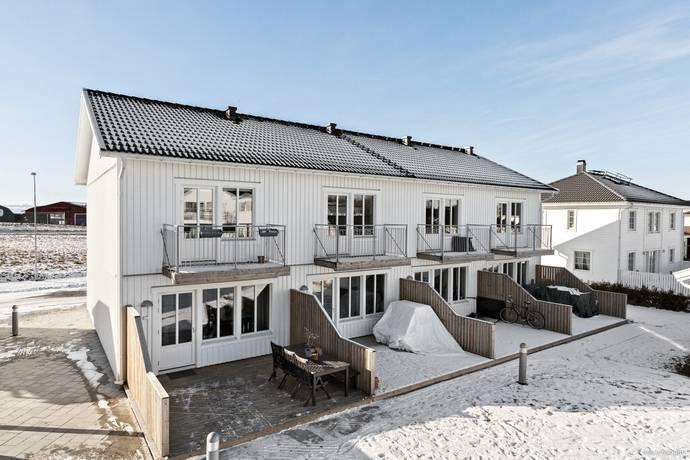 Bild: 3 rum radhus på Kiwigatan 12 A, Örebro kommun Nyponlunden
