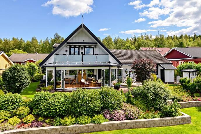 Bild: 6 rum villa på Domherrevägen 10, Härnösands kommun Stenhammar