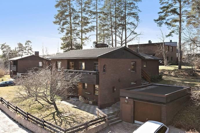 Bild: 6 rum villa på Björnbärsvägen 12, Eskilstuna kommun Ärsta