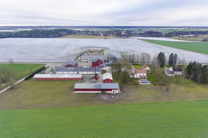 Bild: 10 rum gård/skog på Falla Gård, Örebro kommun Närkes Kil