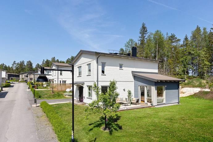 Bild: 6 rum villa på Falkes väg 6, Österåkers kommun Fredsborgs Ängar