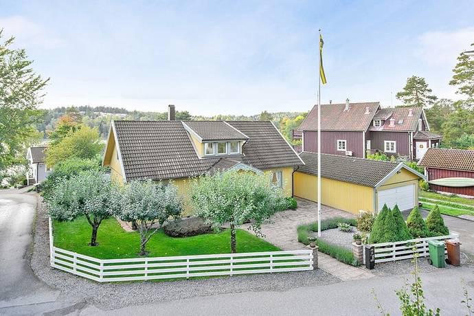Bild: 6 rum villa på Sjöviksvägen 22, Salems kommun Rönninge