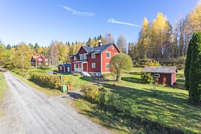 Bild: 7 rum villa på Svarvarbovägen 8, Ljusnarsbergs kommun Ställdalen