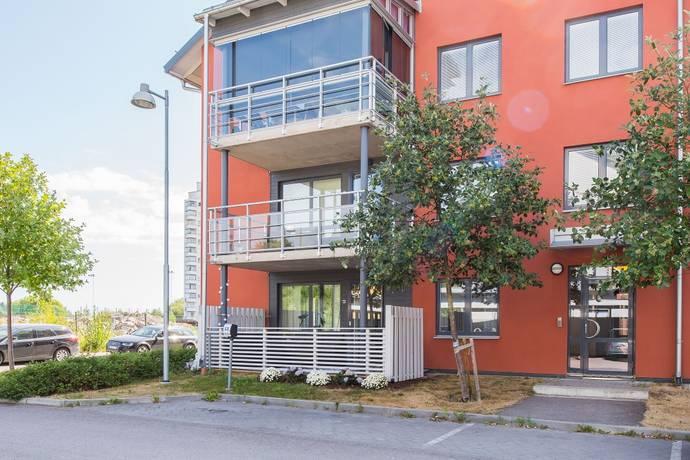 Bild: 3 rum bostadsrätt på Fotbollsvägen 9, Nyköpings kommun Brandholmen