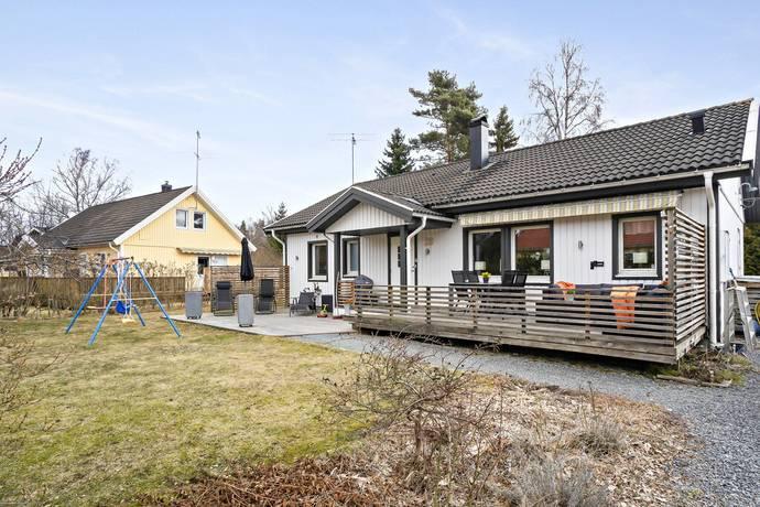 Bild: 4 rum villa på Varpavägen 28, Haninge kommun