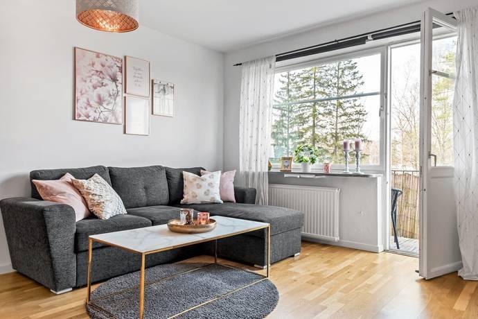 Bild: 2,5 rum bostadsrätt på Lövängsvägen 2, Upplands Väsby kommun Hagängen