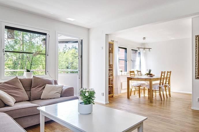 Bild: 4 rum bostadsrätt på Solskensvägen 17, Botkyrka kommun Tullinge