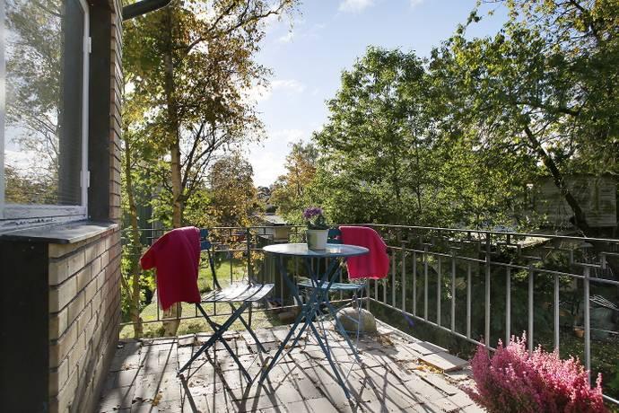 Bild: 6 rum villa på Kvarnsvedsvägen 8, Stockholms kommun Stureby