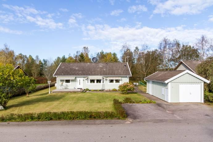 Bild: 5 rum villa på Hedåsvägen 14, Falkenbergs kommun Ätran