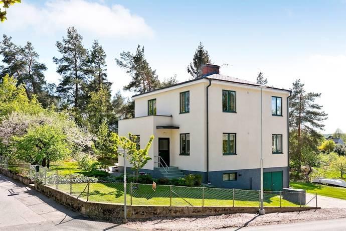 Bild: 6 rum villa på Ringvägen 2, Kungsörs kommun