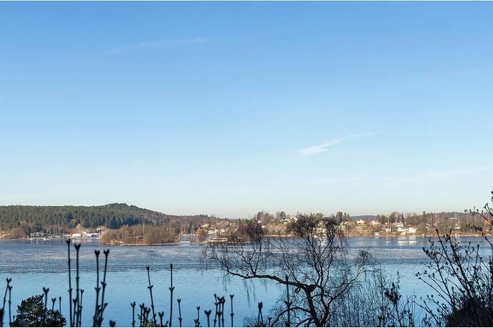 Bild: tomt på Istidsvägen 10, Huddinge kommun Vårby