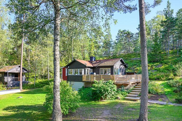 Bild: 4 rum villa på Hästhagsvägen 16, Huddinge kommun Farsta
