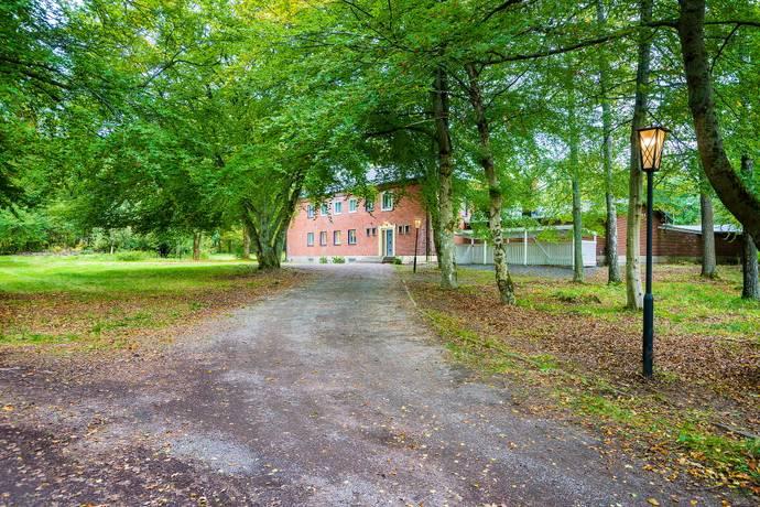 Bild: 17 rum villa på Liavägen 16, Degerfors kommun Bruket
