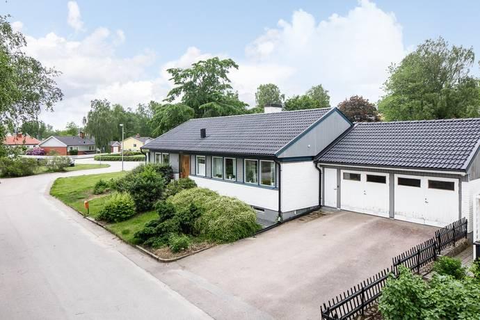 Bild: 4 rum villa på Persgårdsvägen 1, Växjö kommun Öjaby