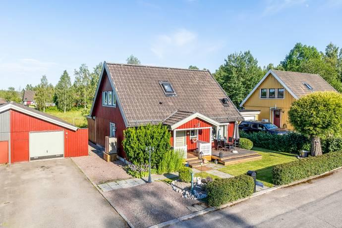 Bild: 5 rum villa på Diamantvägen 11, Smedjebackens kommun SMEDJEBACKEN Stenbäcken