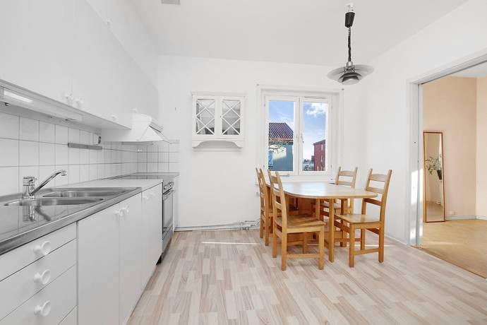 Bild: 2 rum bostadsrätt på Svandammsvägen 31 C, vån 2 av 2, Stockholms kommun Midsommarkransen