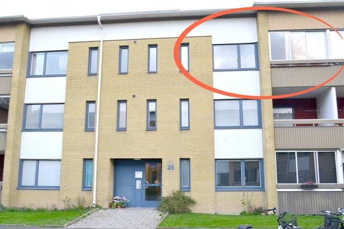Bild: 3 rum bostadsrätt på Hasselvägen 35, Kristianstads kommun Charlottsborg
