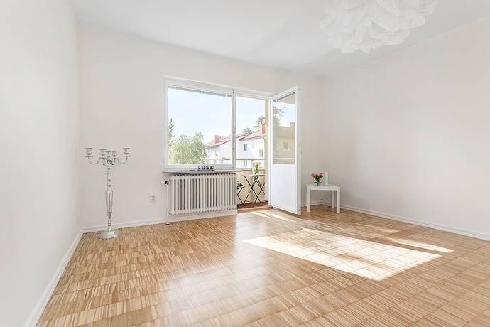 Bild: 2 rum bostadsrätt på Karmstolsvägen 2, Stockholms kommun Gubbängen-Enskede