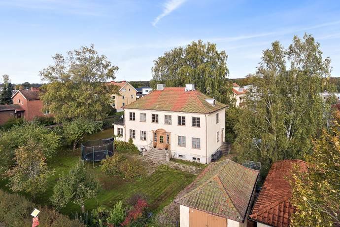 Bild: 9 rum villa på Storgatan 45, Herrljunga kommun Centralt
