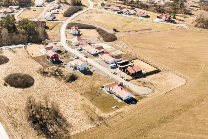 Bild: tomt på Aberga byväg 36, Västerås kommun Aberga By