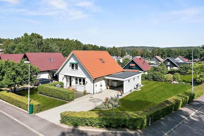 Bild: 7 rum villa på Cypressvägen 2, Kungsbacka kommun Fjärås