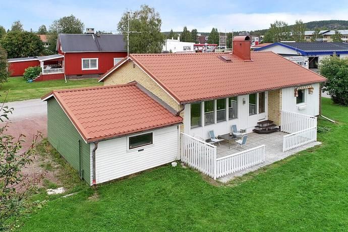 Bild: 3 rum villa på Älvåkersgatan 1, Älvsbyns kommun Centralt