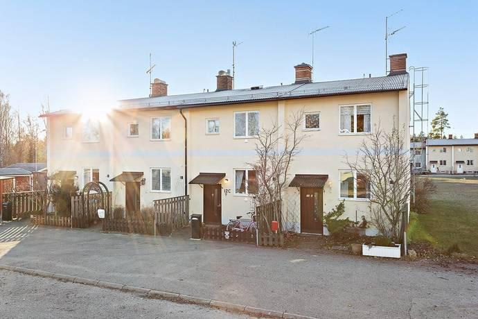 Bild: 3 rum radhus på Klockarvägen 12D, Bollnäs kommun Granberg
