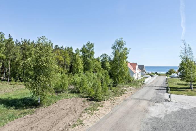 Bild: tomt på M/S S:t Patriks väg 3, Sölvesborgs kommun Djupekås