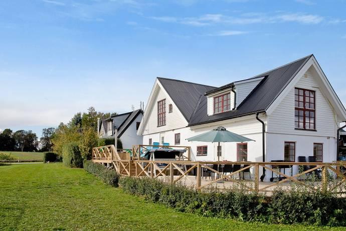 Bild: 4 rum gård/skog på Landsvägen 120, Ystads kommun Stora Herrestad