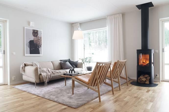 Bild: 6 rum villa på Husbyvägen 62, Österåkers kommun Åkersberga