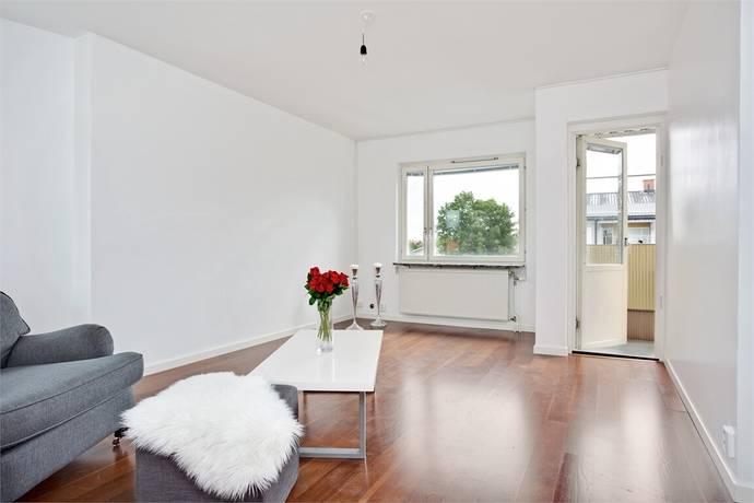 Bild: 2,5 rum bostadsrätt på Hjälmarvägen 11B, Örebro kommun Almby