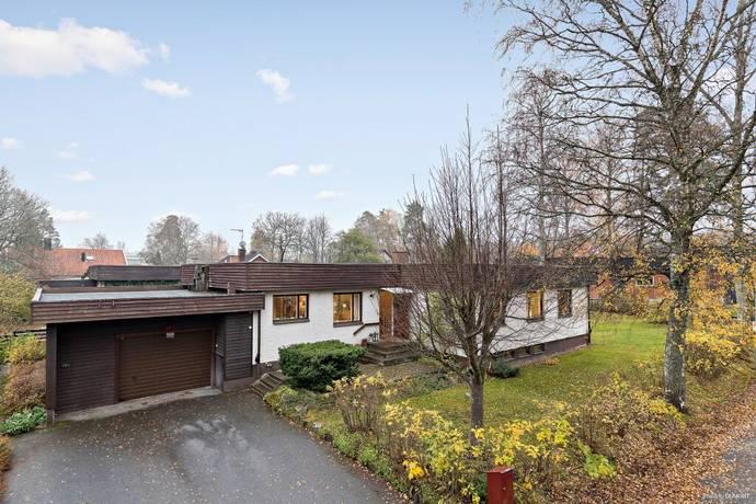 Bild: 7 rum villa på Rapphönsvägen 10 A, Uppsala kommun Sunnersta