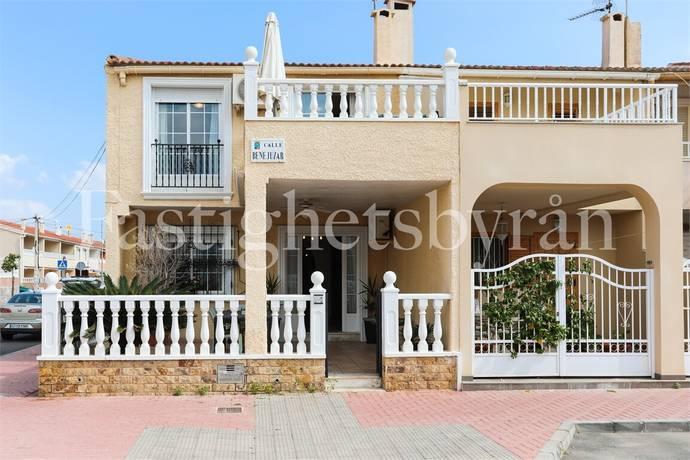 Bild: 4 rum radhus på Charmigt hörnradhus, Spanien Torrevieja   Costa Blanca