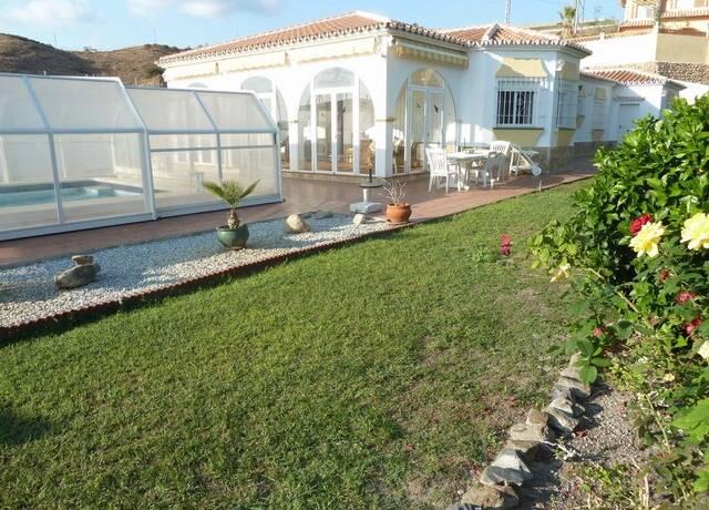 Bild: 5 rum villa på Mycket ljus villa nära kusten, Torrox, Spanien Torrox Costa