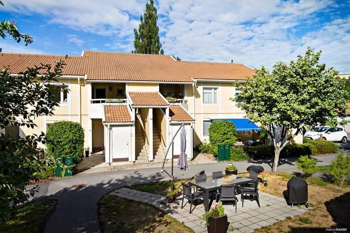 Bild: 5 rum bostadsrätt på Olov Hartmans väg 11, Sigtuna kommun Aludden