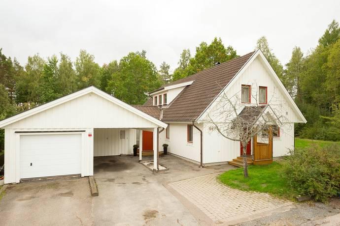 Bild: 7 rum villa på Åsundavägen 61, Enköpings kommun Hummelsta