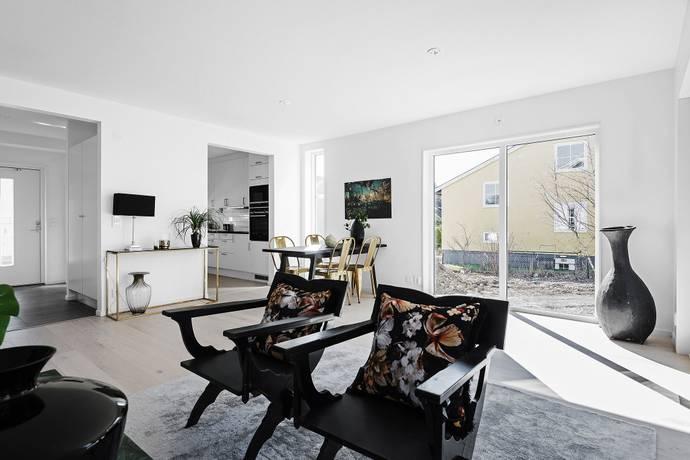 Bild: 5 rum radhus på Attundavägen 1 A, Stockholms kommun Bromma Kyrka