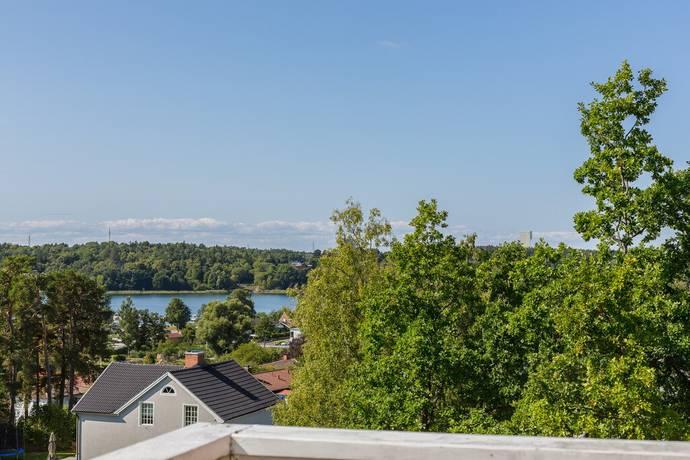 Bild: 9 rum villa på Lundblads väg 14, Danderyds kommun DANDERYD