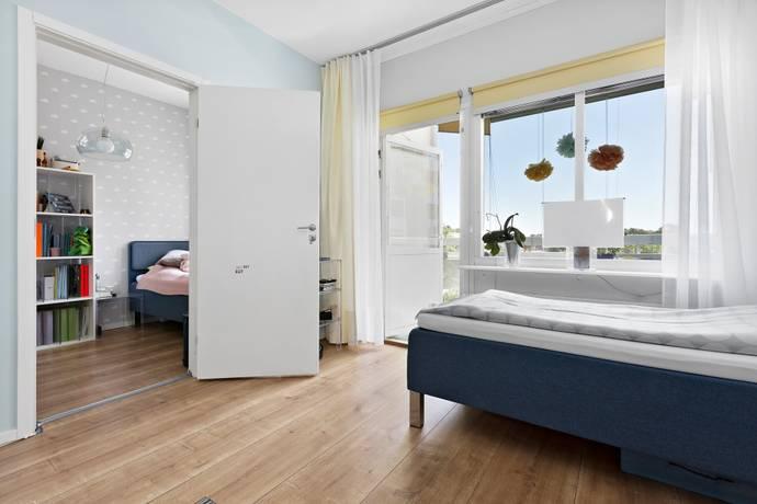 Bild: 2 rum bostadsrätt på Larsbergstorget 5, 1tr, Lidingö kommun Larsberg