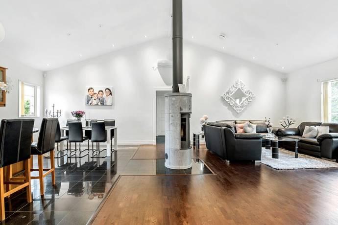 Bild: 6 rum villa på Solbacken, Norrköpings kommun Lundby