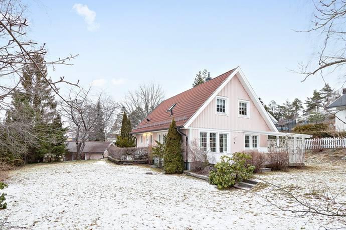 Bild: 8 rum villa på Åvägen 7, Tyresö kommun Öringe