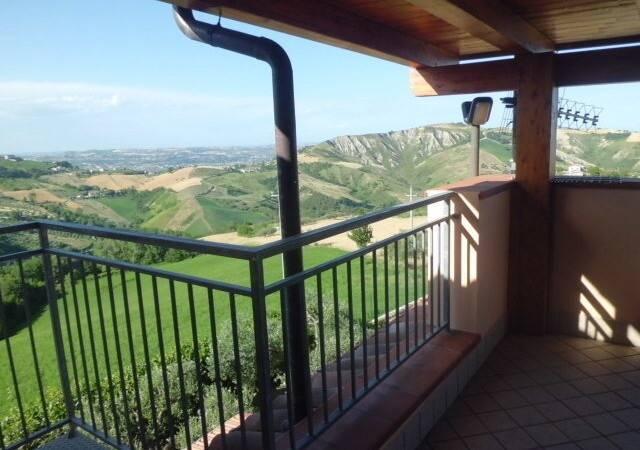 Bild: 6 rum villa på Cellino Attanasio, Italien Abruzzo