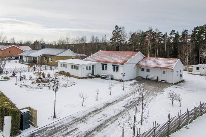 Bild: 5 rum villa på Kyrkvägen 40, Habo kommun Habo