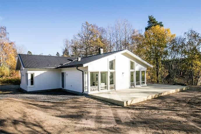 Bild: 6 rum villa på Berggrensvägen 6, Eskilstuna kommun Ostra