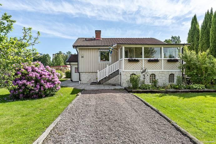 Bild: 4 rum villa på Örngatan 18, Karlstads kommun Färjestad
