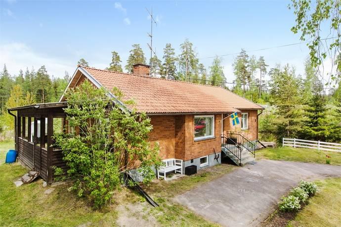 Bild: 3 rum villa på Ringvägen 5, Heby kommun Morgongåva