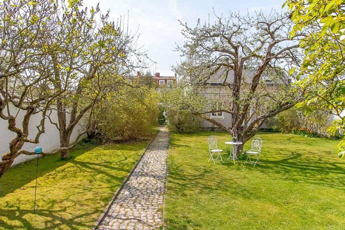 Bild: 12 rum villa på Hantverkaregatan 9, Karlshamns kommun Karlshamn centralt