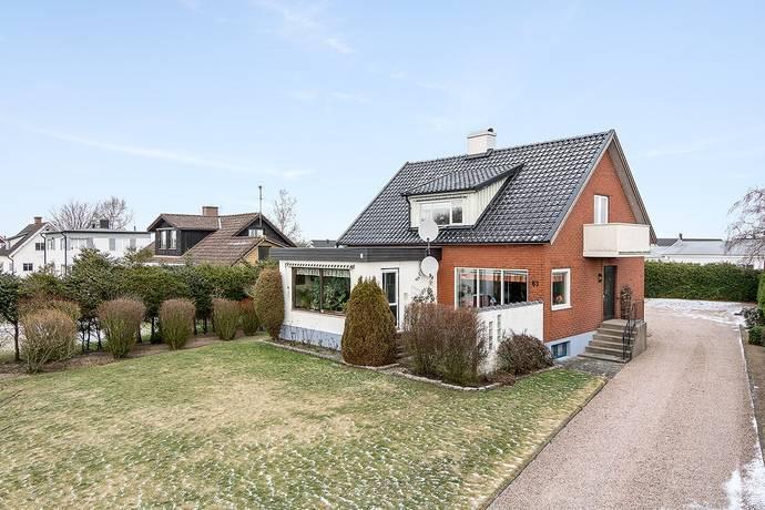Bild: 5 rum villa på Kristianstadsvägen 63, Laholms kommun Laholm