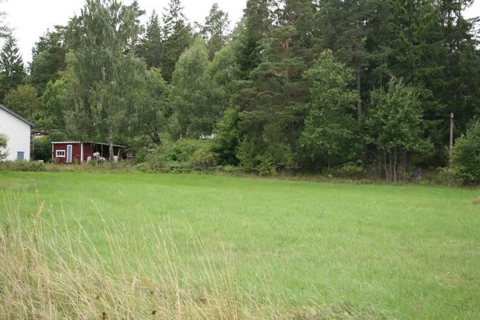 Bild: tomt på Vätövägen 579, Norrtälje kommun Nysättra - Byle